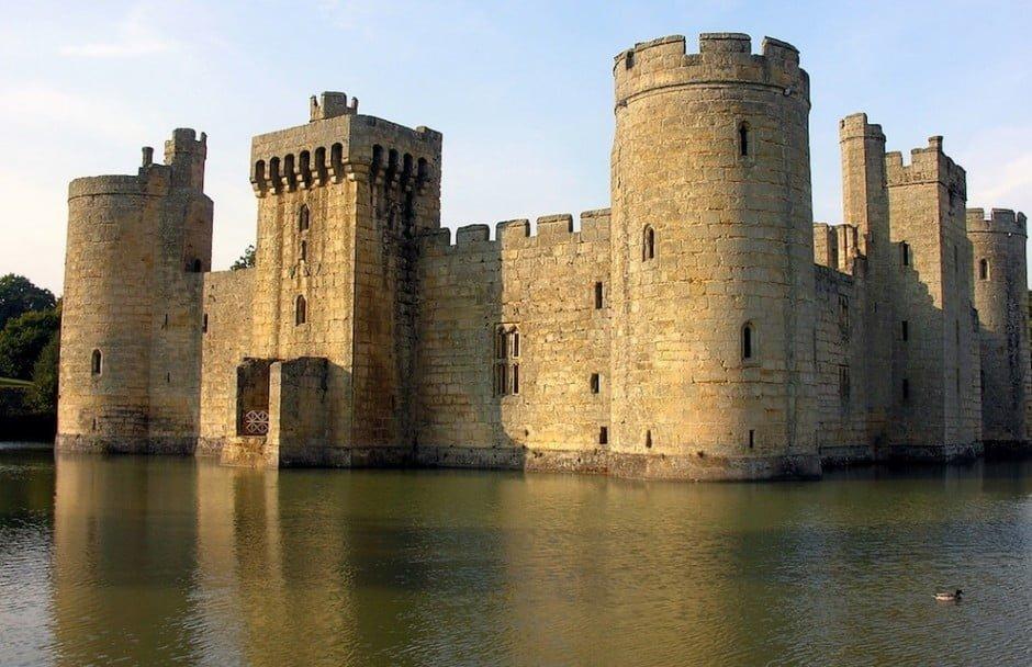 14. Bodiam Castle, Anglia
