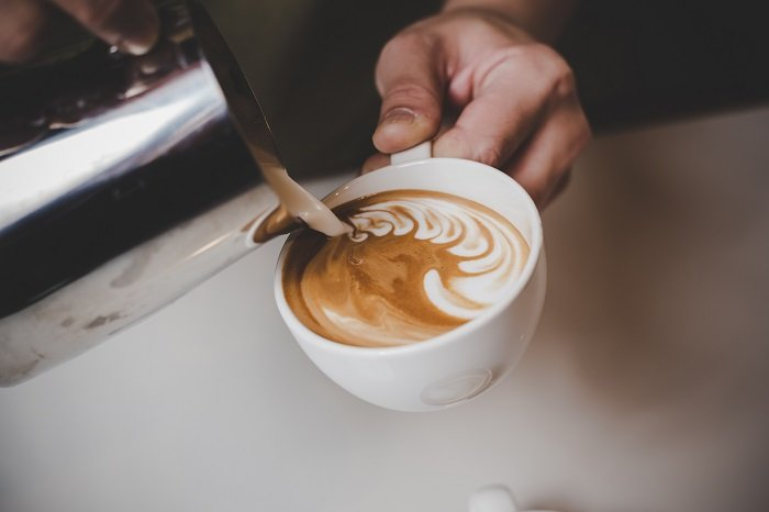 A szakértők elmagyarázzák, mi történik a szervezeteddel, ha naponta koffeinmentes kávét iszol