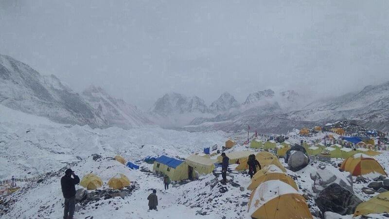 """A """"Zöld Bakancsos"""" tragikus története - a megfagyott hegymászó az Everest-csúcs közelében pihen"""