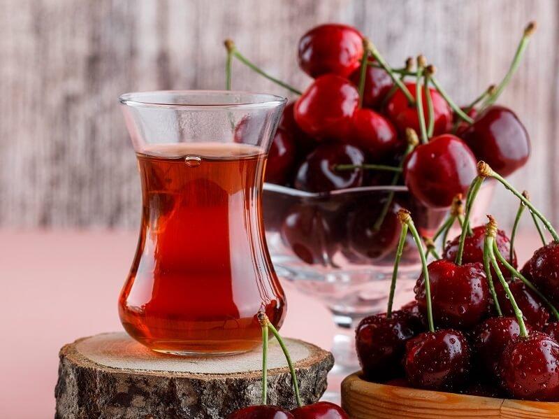 A cseresznyeszár tea az egyik legerősebb vízhajtó - narancsbőr ellen is hatásos