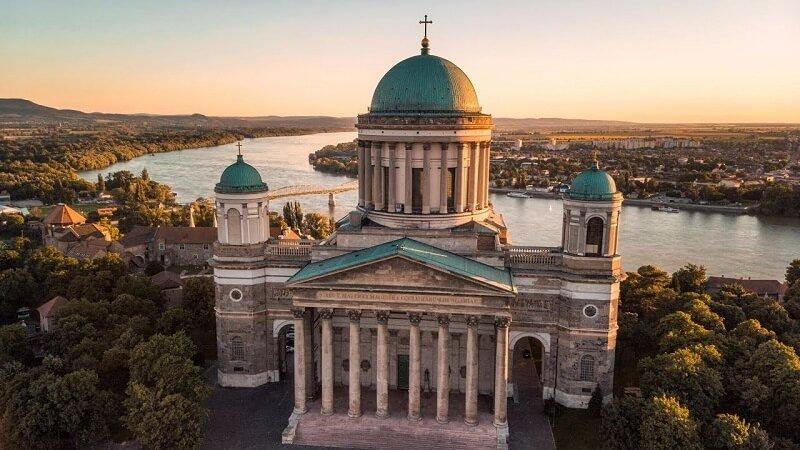 Meglepő felfedezés: ezt találták Magyarország legnagyobb bazilikájának keresztjében! 1845 óta lapul ott…