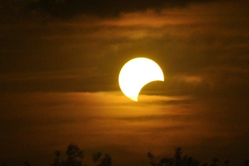 A 2021-es év gyűrűs napfogyatkozása június 10-én Magyarországról is látható lesz!