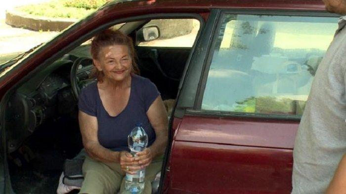 Három hete egy autóban lakik a 70 éves Ilonka néni