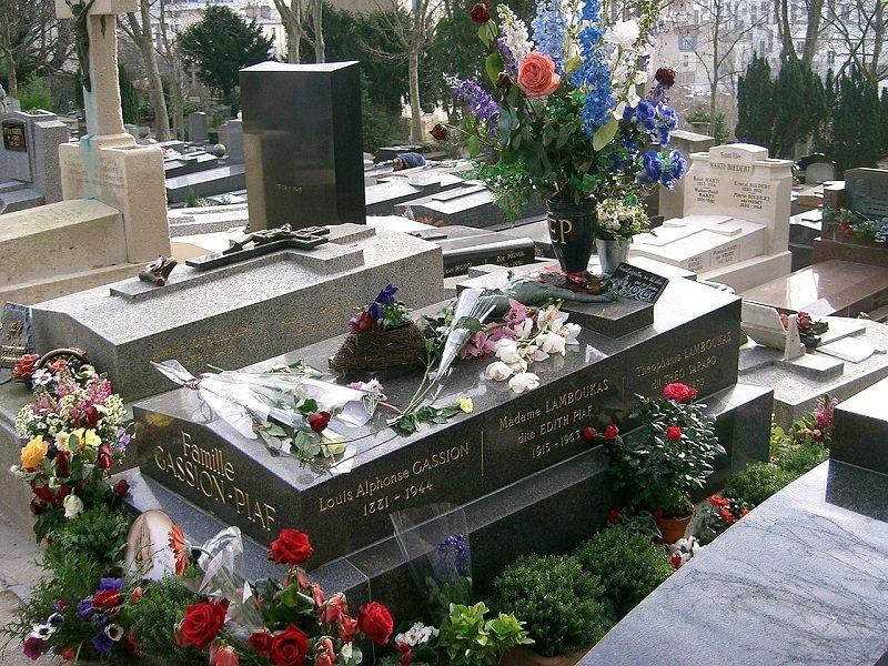 """Édith Piafot """"kis csalogánynak"""" hívták szomorkás, jellegzetesen rekedtes hangja miatt, ám élete tele volt szenvedésekkel"""