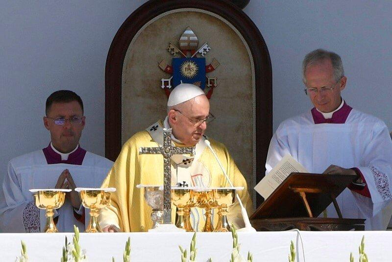 """Ferenc pápa: """"veletek és értetek mondom: Isten áldd meg a magyart!"""""""
