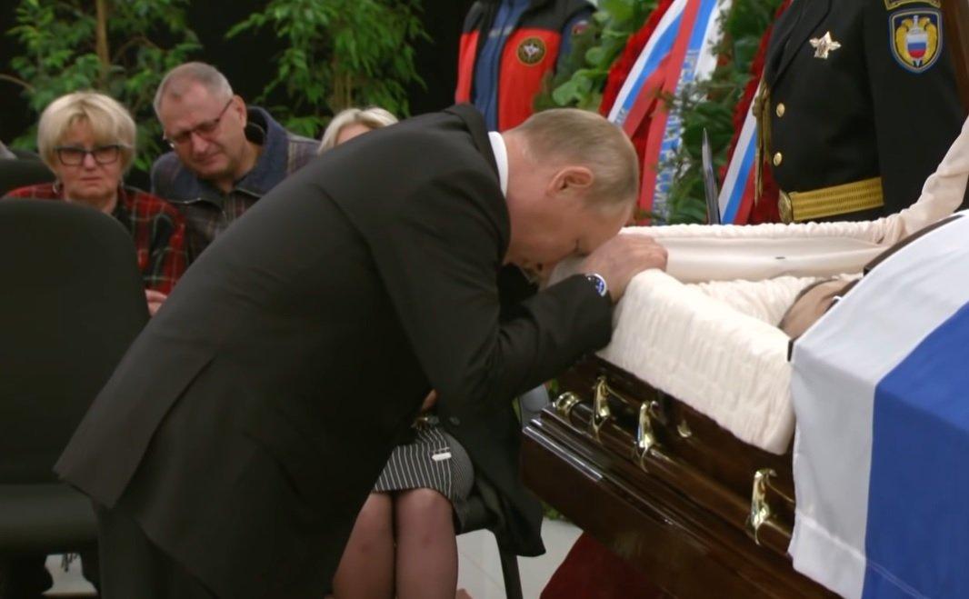 Putyin megviselten vett végső búcsút volt testőrétől