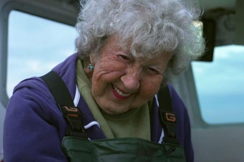 A 101 éves nő a világ egyik legveszélyesebb munkáját végzi 78 és 79 éves fiaival, és nem is akarja abbahagyni